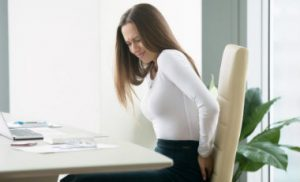 crise hemorroidaire femme assise